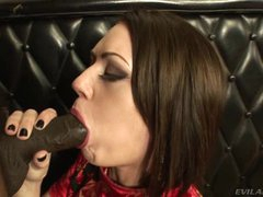 Sarah Shevon shoves a huge dong down her moist mouth